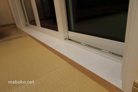 掃出し窓 フローリング 冷たい